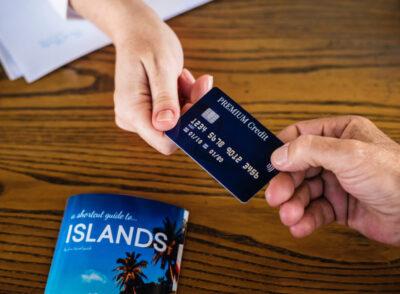 : Checklist: Absicherung Konto und Kreditkarte auf Reisen