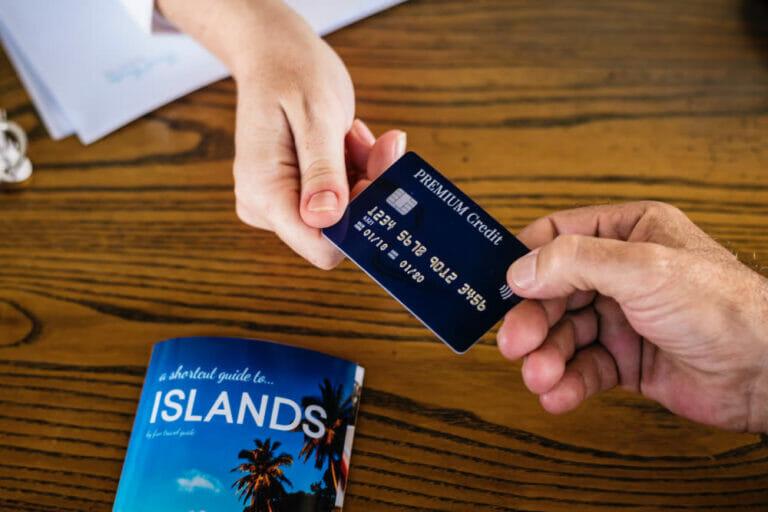 Checklist: Absicherung Konto und Kreditkarte auf Reisen