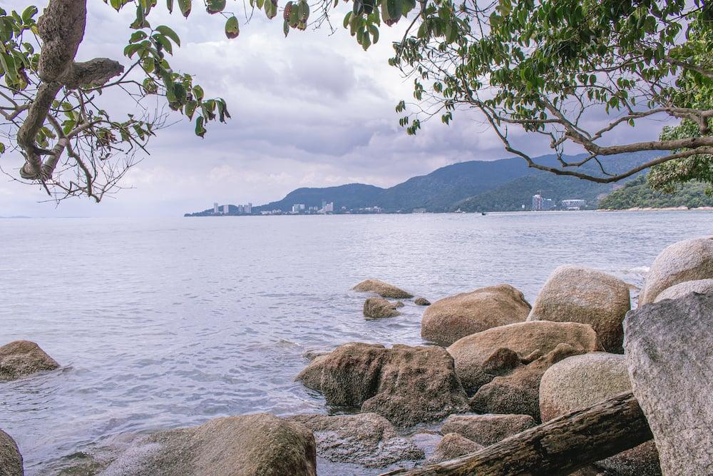 Blick aufs mehr vom Penang Nationalpark