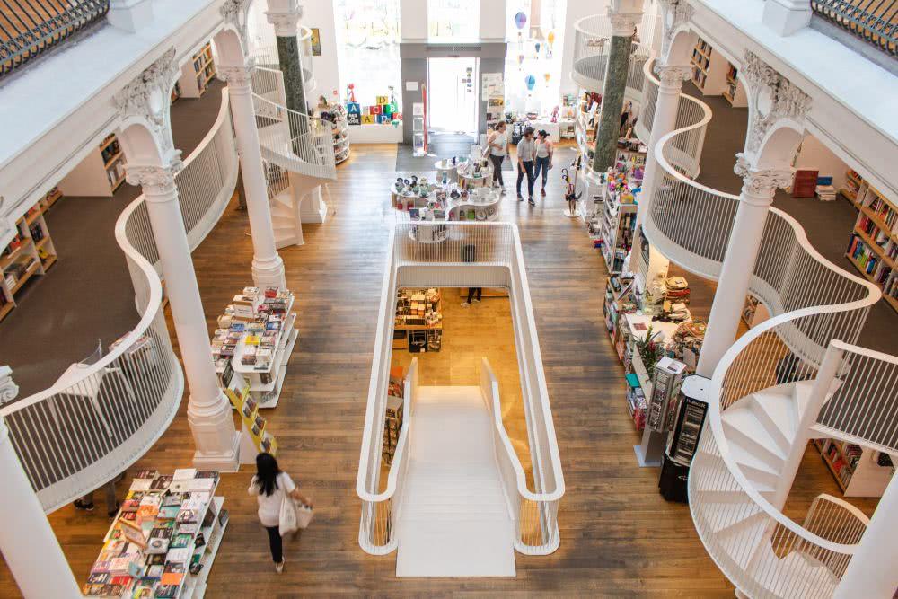 Rumänien Bukarest der instagrammable Buchladen Carturesti Carusel