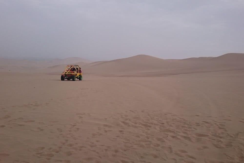 Peru Mit diesem Buffy bewegt man sich in Huacachina fort