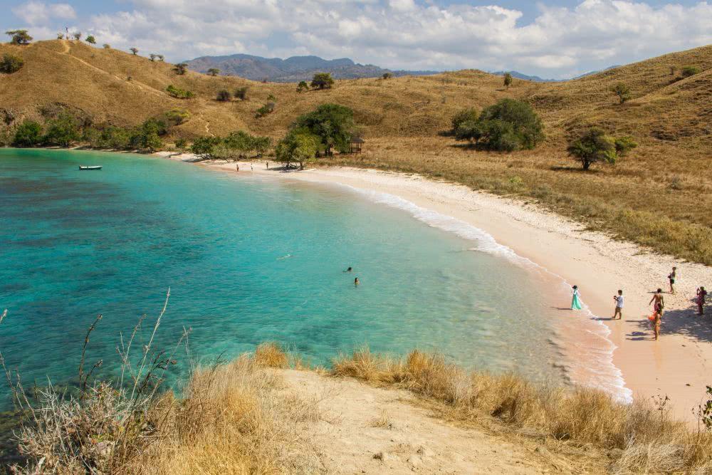 Indonesien Insel Flores und KomodoDer Pink Beach im Komodo Nationalpark