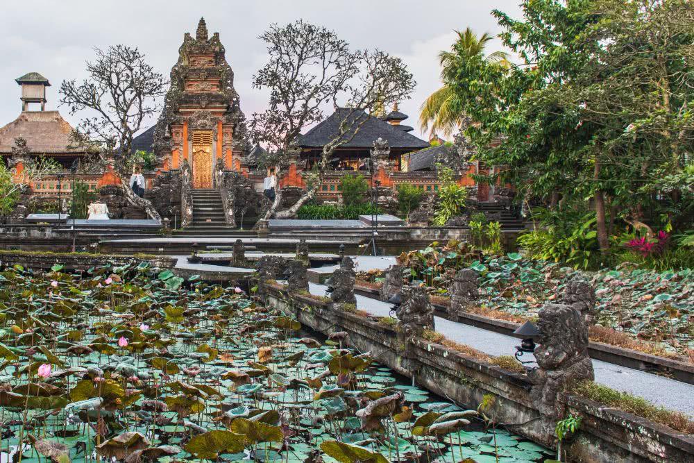 Indonesien Insel Bali Der Wassertempel in Ubud