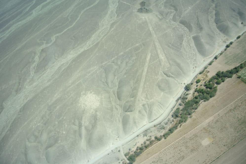 Peru Und noch ein Blick auf die Ein Blick aus dem kleinen Flieger heraus: Nazca-Linien