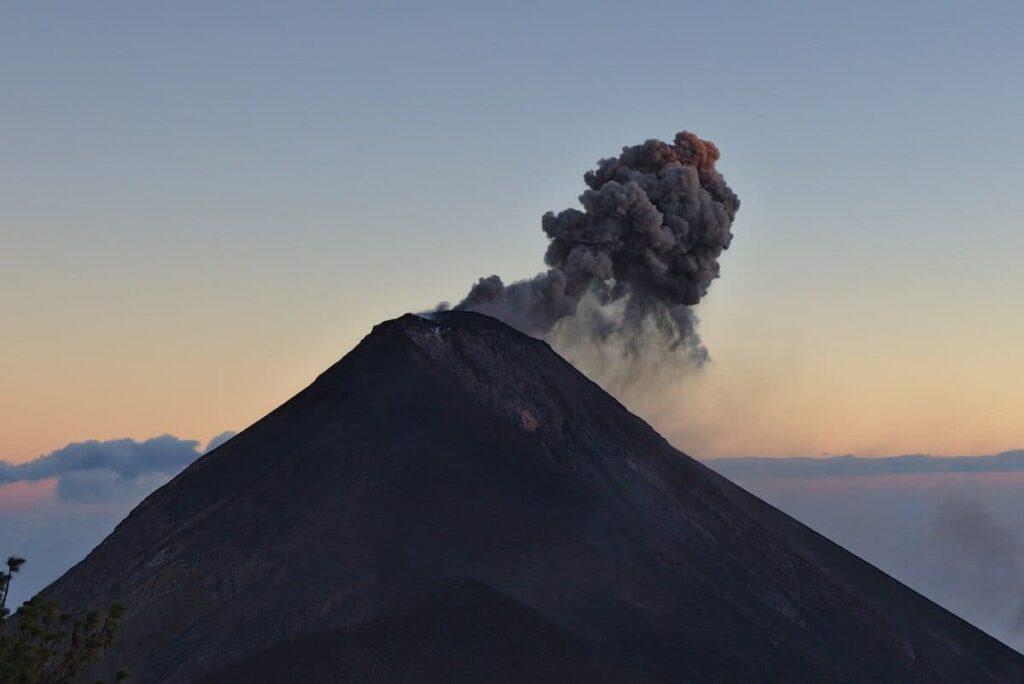 Sonnenuntergang auf den Acatenango Vulkan