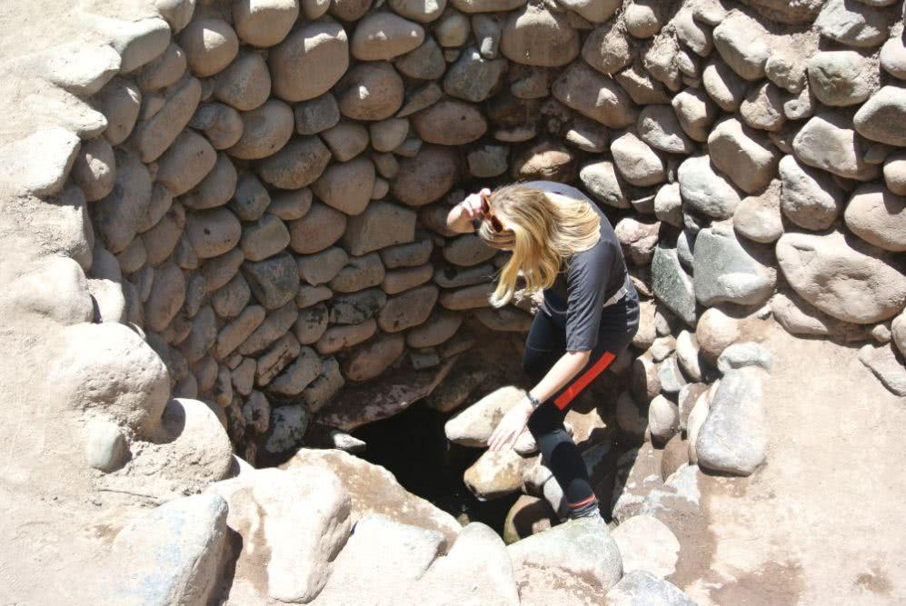 Peru Außerdem in Nazca  zu besichtigen: Diese Wasserlöcher
