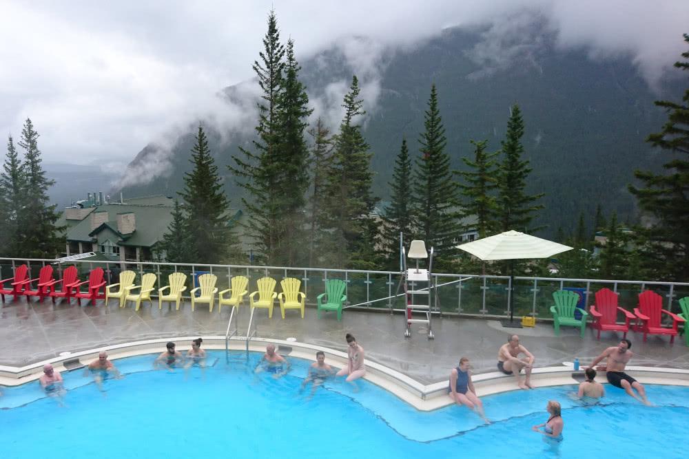 Zur Erholung am Abend liegen diese Hot Springs in der Stadt Banff