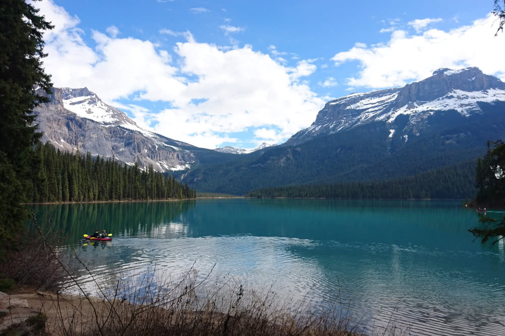 West-Kanada Der Panoramasee Emerald Lake im Yoho Nationalpark