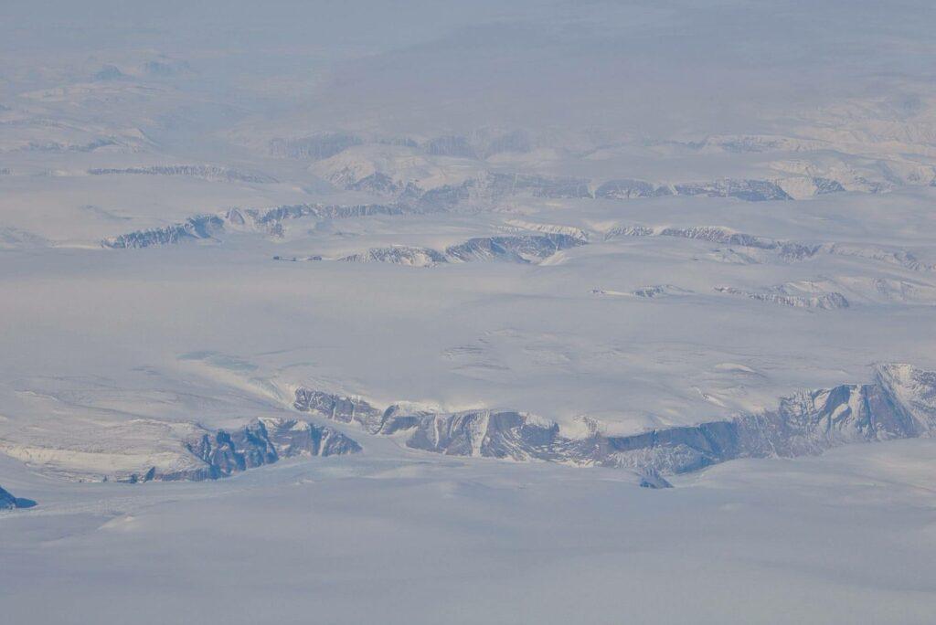 Unglaubliche Eiswelten erstrecken sich soweit das Auge reicht.