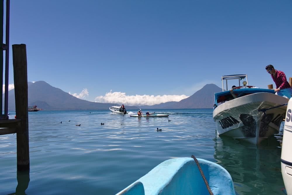 Guatemala Backpacking Am Attitlan See ging es per Boot nach San Pedro La Laguna