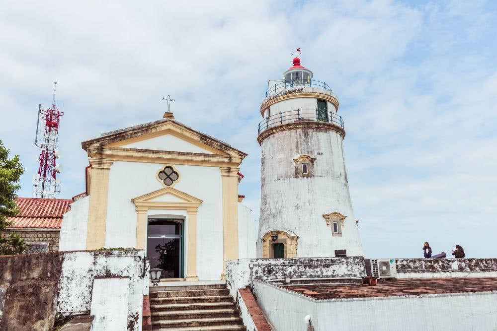 Im westlichen Stil: Festung und Leuchtturm in Macau