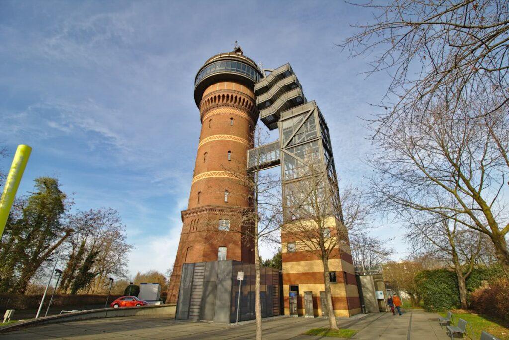 50 Meter hoch ist der Wasserturm