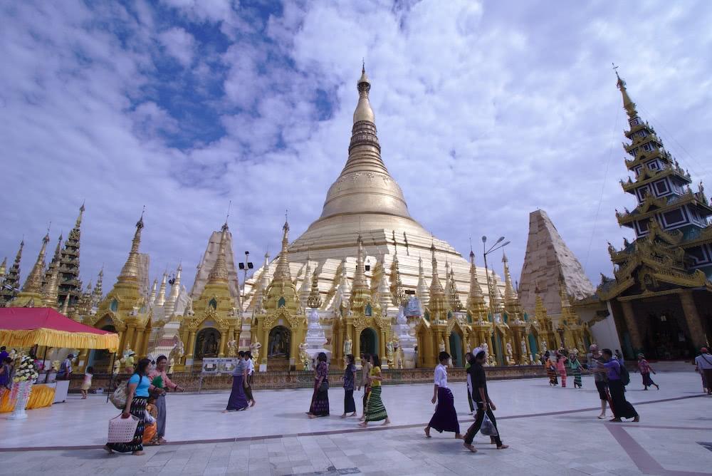 Yangon Bekannteste Pagode des Landes: Shwedagon Pagoda