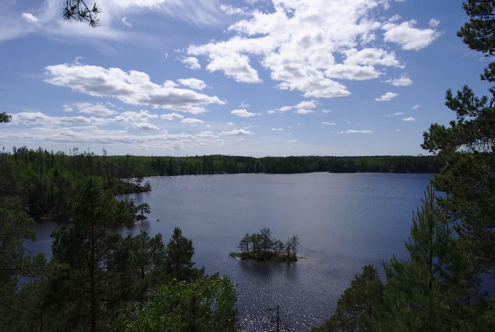 Der Blick auf den Stensjön ist überwältigend.
