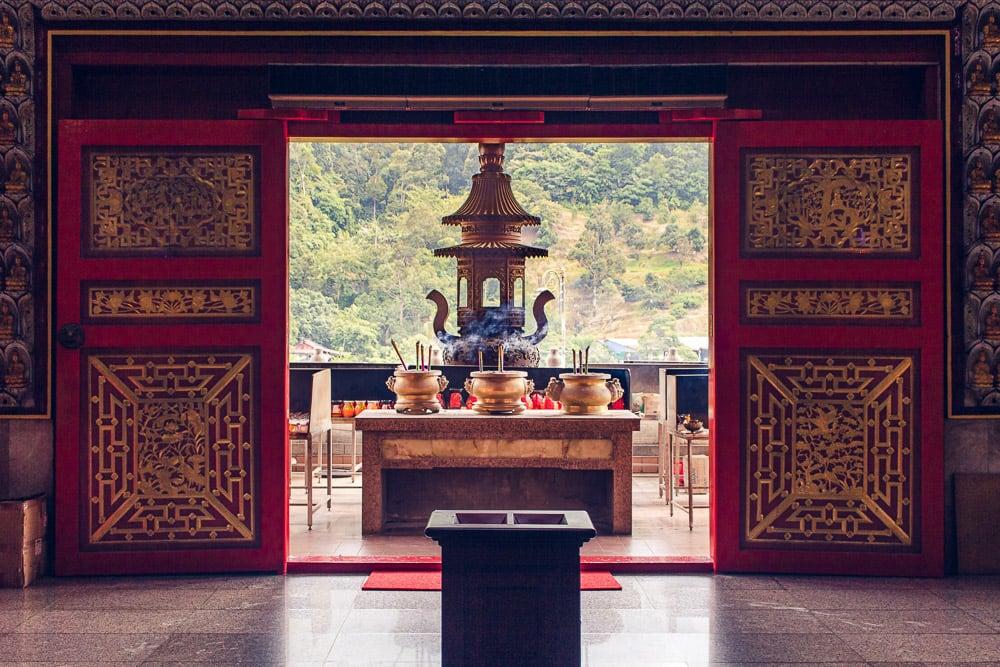 Schrein im Kek Lok Si Tempel auf Penang