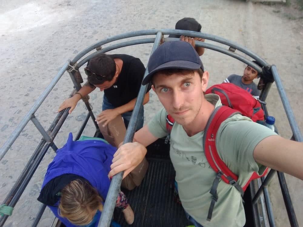 Bei unserer Ankunft in Lanquín mussten wir in Pickups umsteigen
