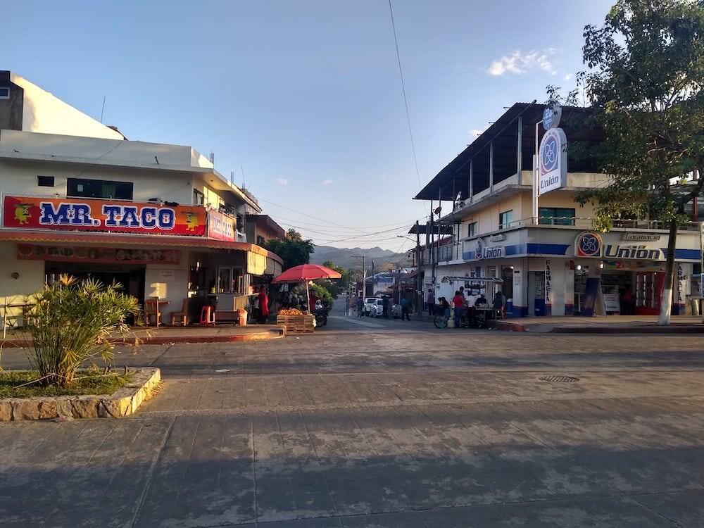 Geschäftige Straßen gab es auch in der Kleinstadt Palenque.