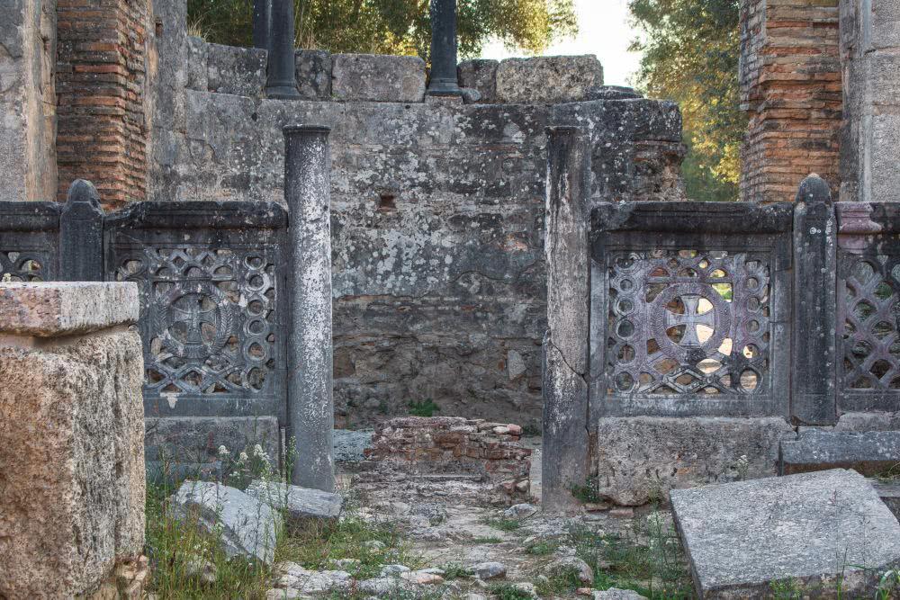 Einige der olympischen Denkmäler sind restauriert