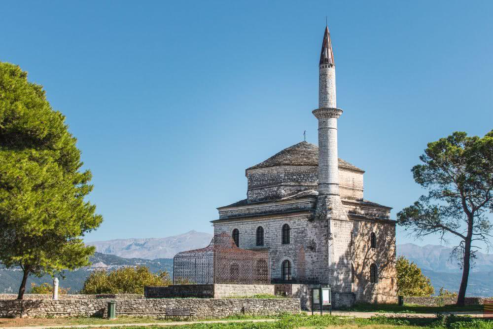 Eine historische Moschee in Ioannia