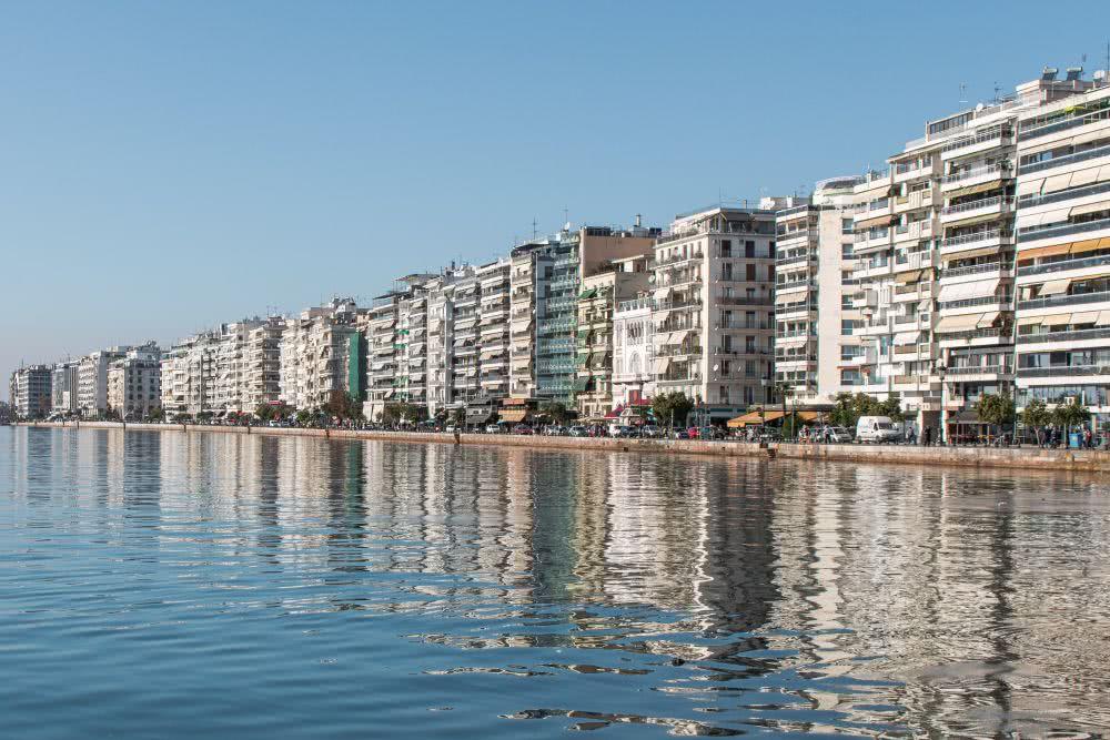 Die weitläufige Uferpromenade in Thessaloniki