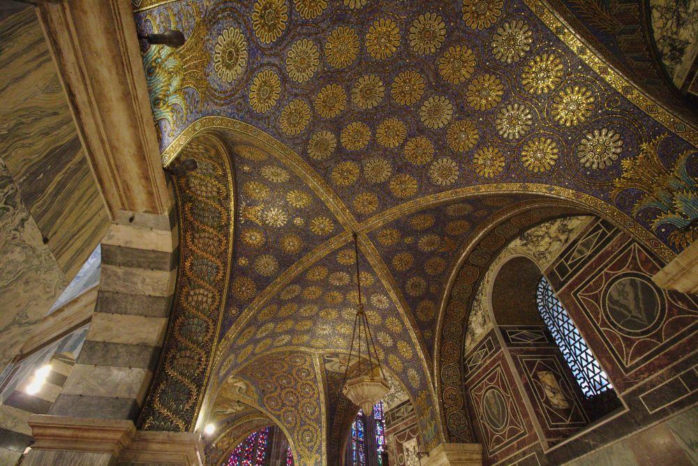 Der Aachener Dom von innen
