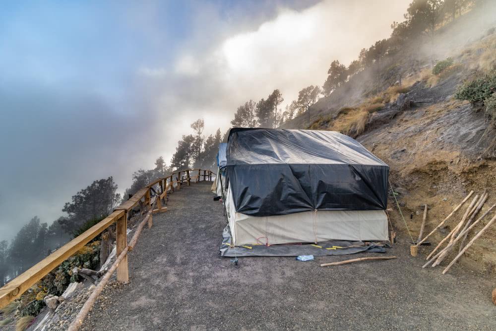 Zum Glück standen unsere Zelte am nächsten Morgen