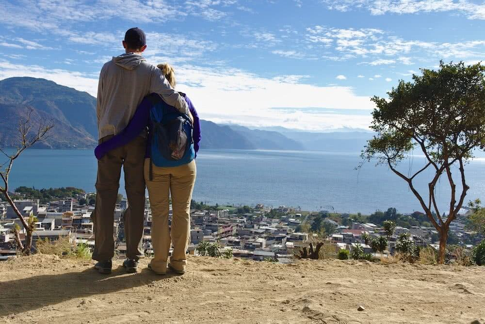 Auch wenn es mit der Besteigung des Vulkans nichts wurde, so hatten wir dennoch einen tollen Ausblick auf San Pedro La Laguna.