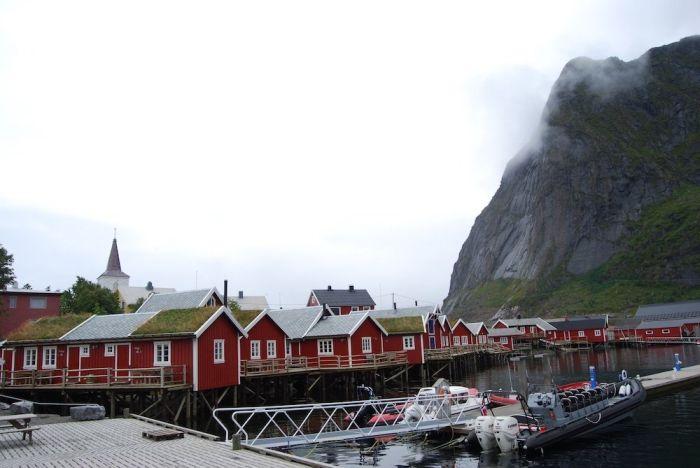 Typische Häuser auf den Lofoten.