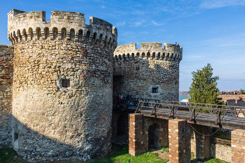 Die gut erhaltene Festung von Belgrad zieht viele Besucher an.