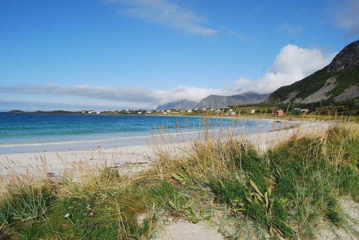 Der Campingplatz ist idyllisch direkt am Meer gelegen.