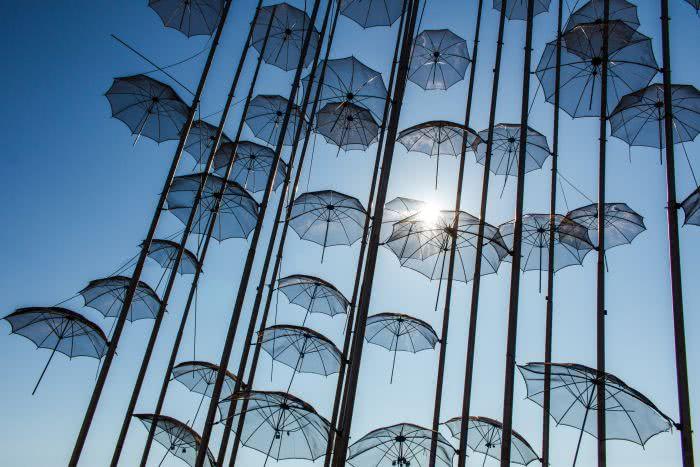 Definitiv ein beliebter Fotospot, um Regenschirme aus verschiedenen Winkeln zu fotografieren