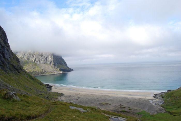 Die Wanderung hat sich gelohnt: Eine der wunderschöne Blick auf die ruhige Bucht.