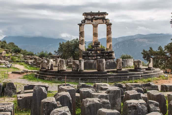Die archäologische Seite von Delphi zeigt das Orakel
