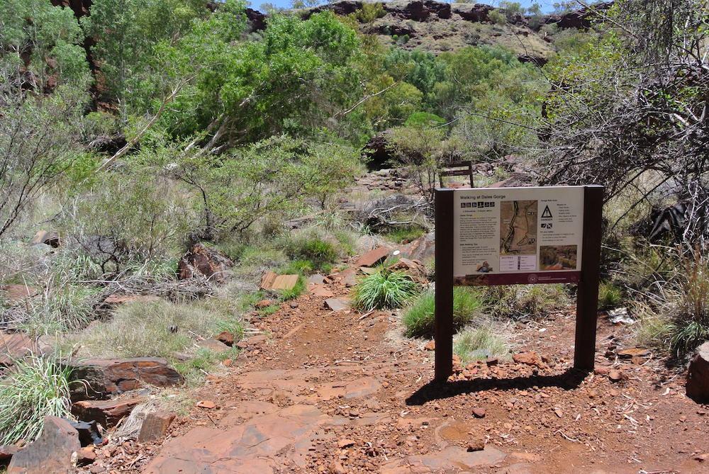 Wandertafeln findet man im Karijini Nationalpark überall