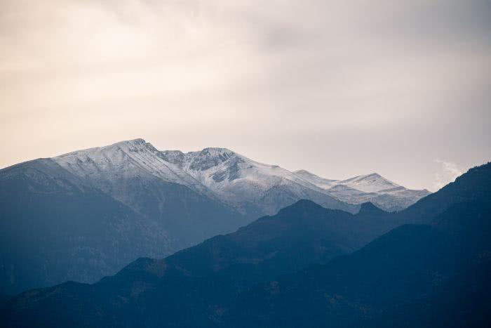 Die mächtigen Berge im Olymp im späten Herbst