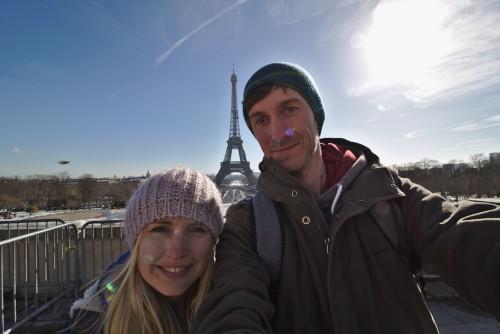 Ein Selfie mit dem Eiffelturm gehört dazu