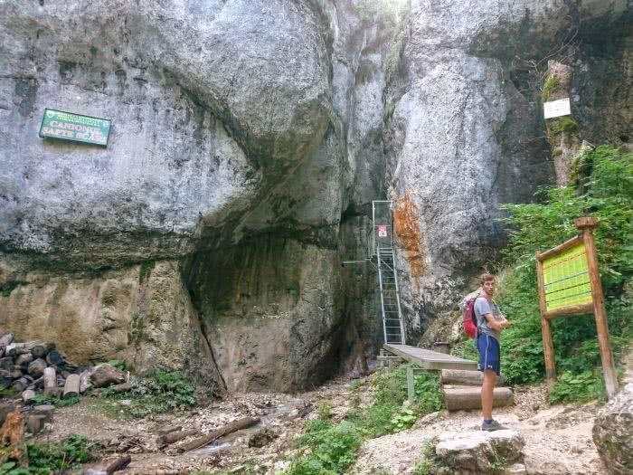 Am Eingang der verschlossenen 7-Ladders-Wanderung