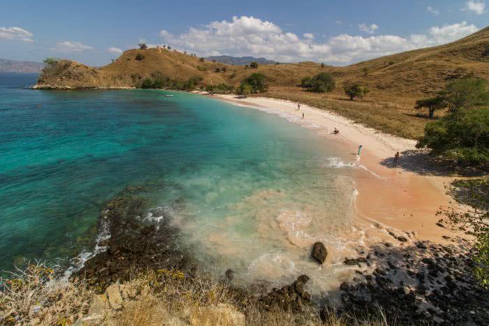 Aussicht auf den Pink Beach auf Komodo