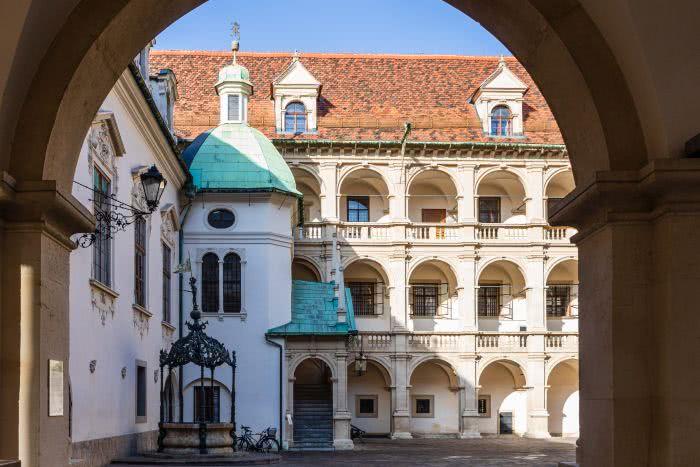 Das Landhaus in der Altstadt ist ein bedeutende Sehenswürdigkeit