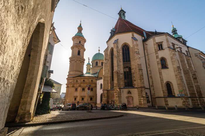 Der Dom und das Mausoleum stehen direkt nebeneinander