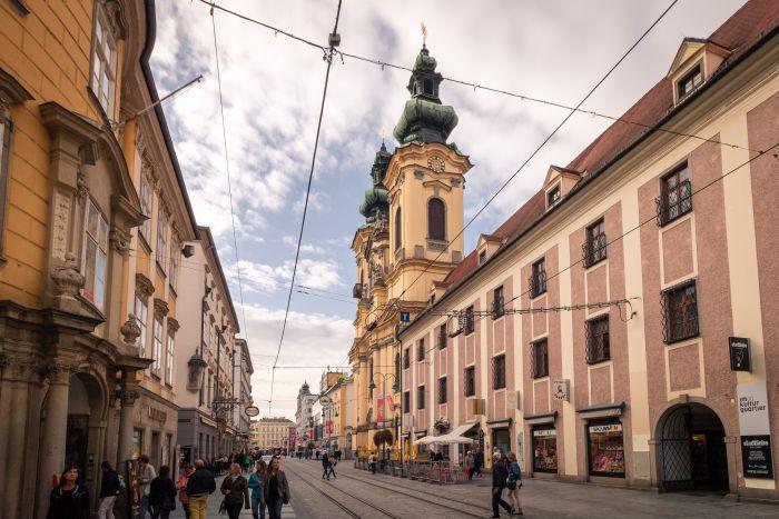 Die Architektur in der Linzer Altstadt erinnert doch sehr an Graz
