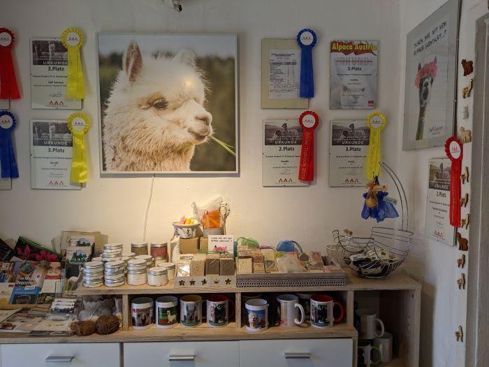 Der Hofladen Mitterdorf a.d.R. mit vielen lokalen Produkten
