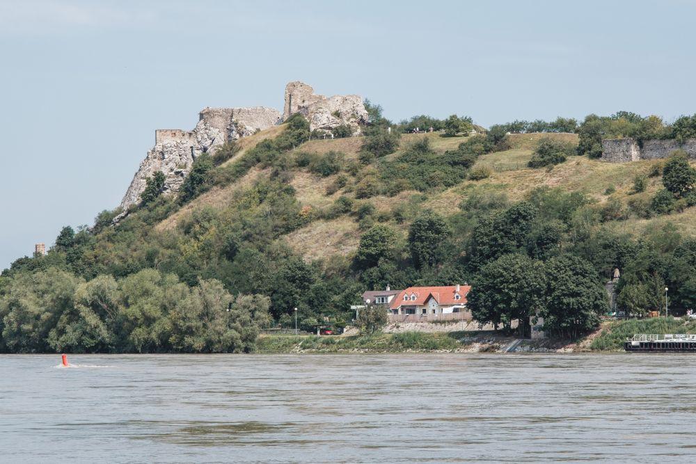 Die beeindruckende Burgruine Devin auf der slowakischen Donauseite