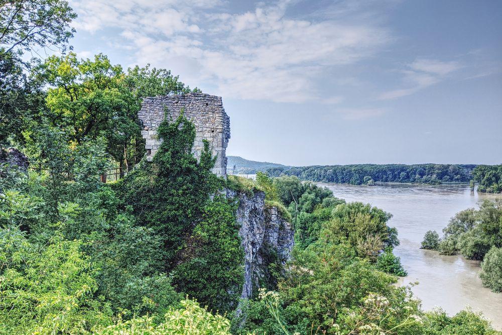 Von der Röthelstein Ruine genossen wir die Aussicht auf die Donauauen