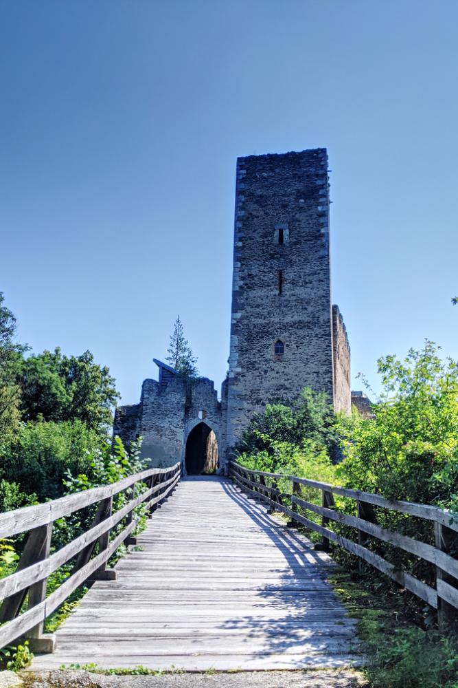 Die Kaya-Ruine auf dem Spaziergang entlang des Kayaweges