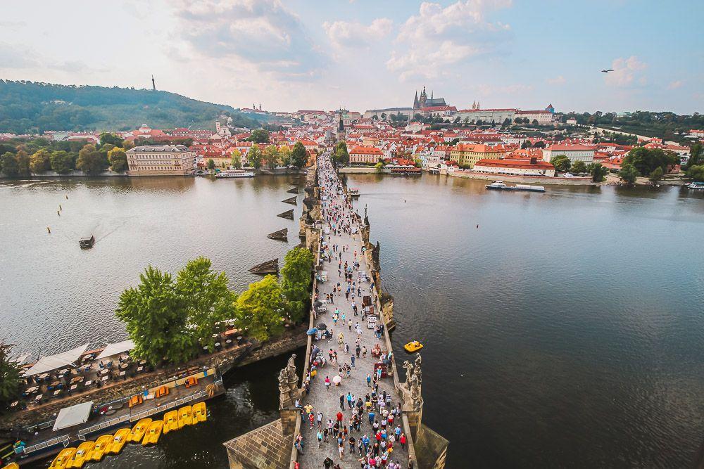 Die beeindruckende Moldau fließt durch Tschechien