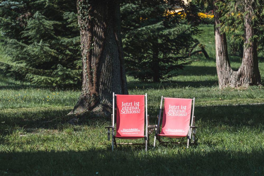 Im Schlossgarten Eckartsau kann man im Sommer verweilen
