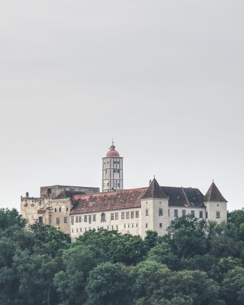 Das Schloss Schallaburg liegt etwas abseits des Donauufers