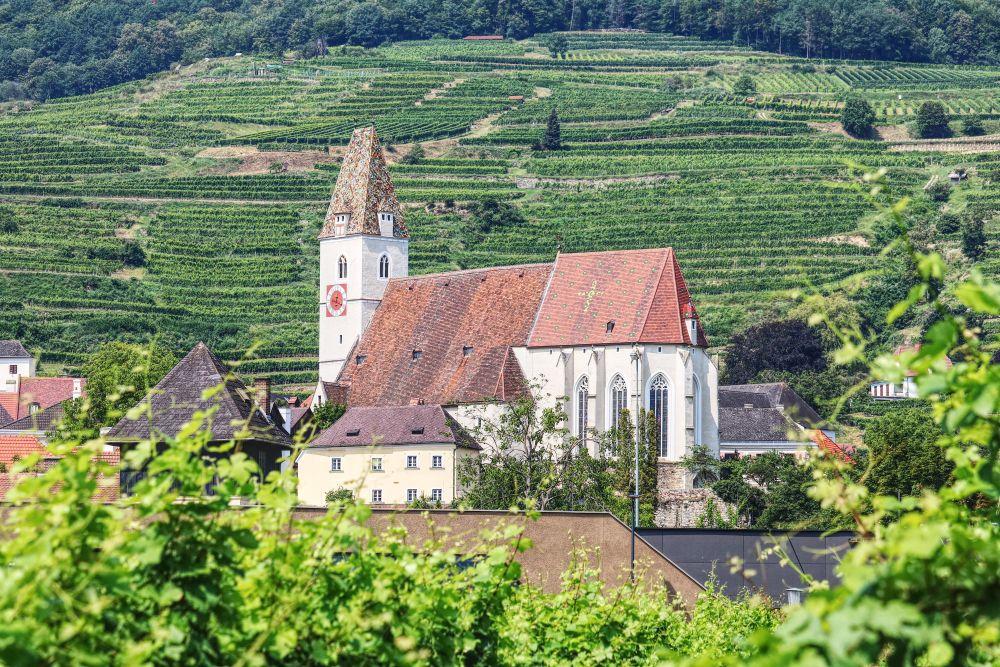 Die schöne Pfarrkirche in Spitz an der Donau