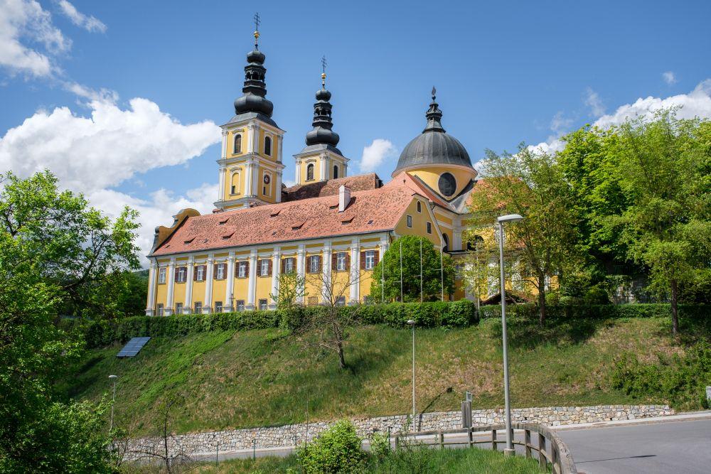Die Basilika Mariatrost aus der Ferne